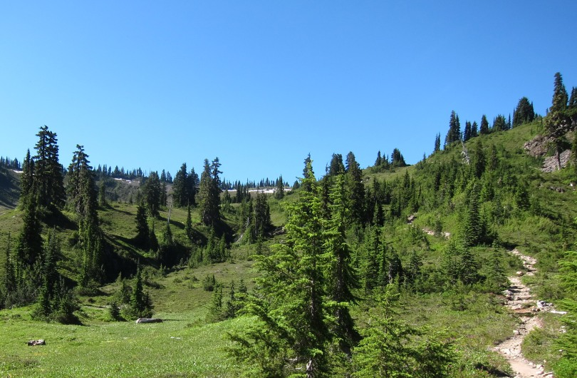 The trail up to Heart Lake is sited to blend with the land similarly to the path in the Chinese painting.